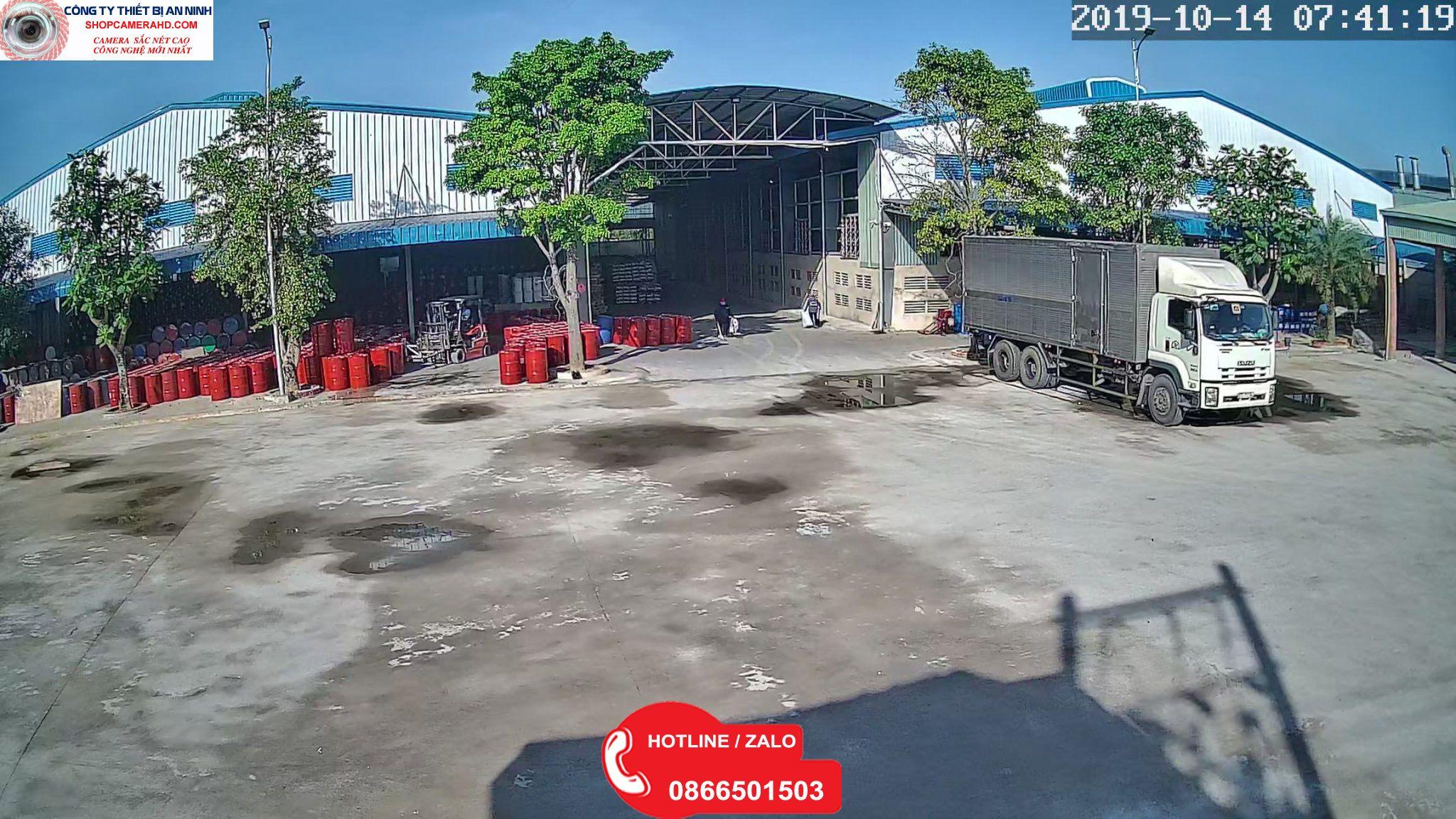 camera kho xưởng giám sát xe
